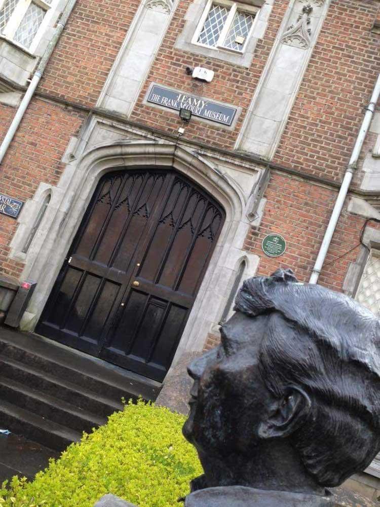 Museo Frank McCourt de Limerick. Razones para Viajar a Limerick Irlanda en Tu Gran Viaje | Revista de Viajes y turismo
