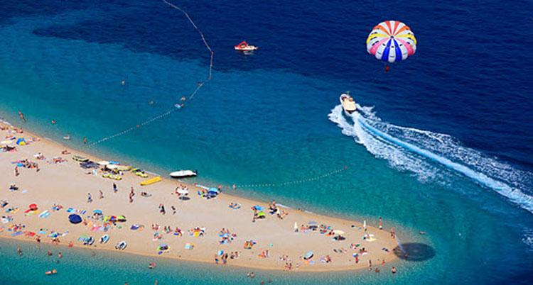 Viajar a la playa de El Cuerno de Oro Brac Croacia | Tu Gran Viaje revista de viajes y turismo