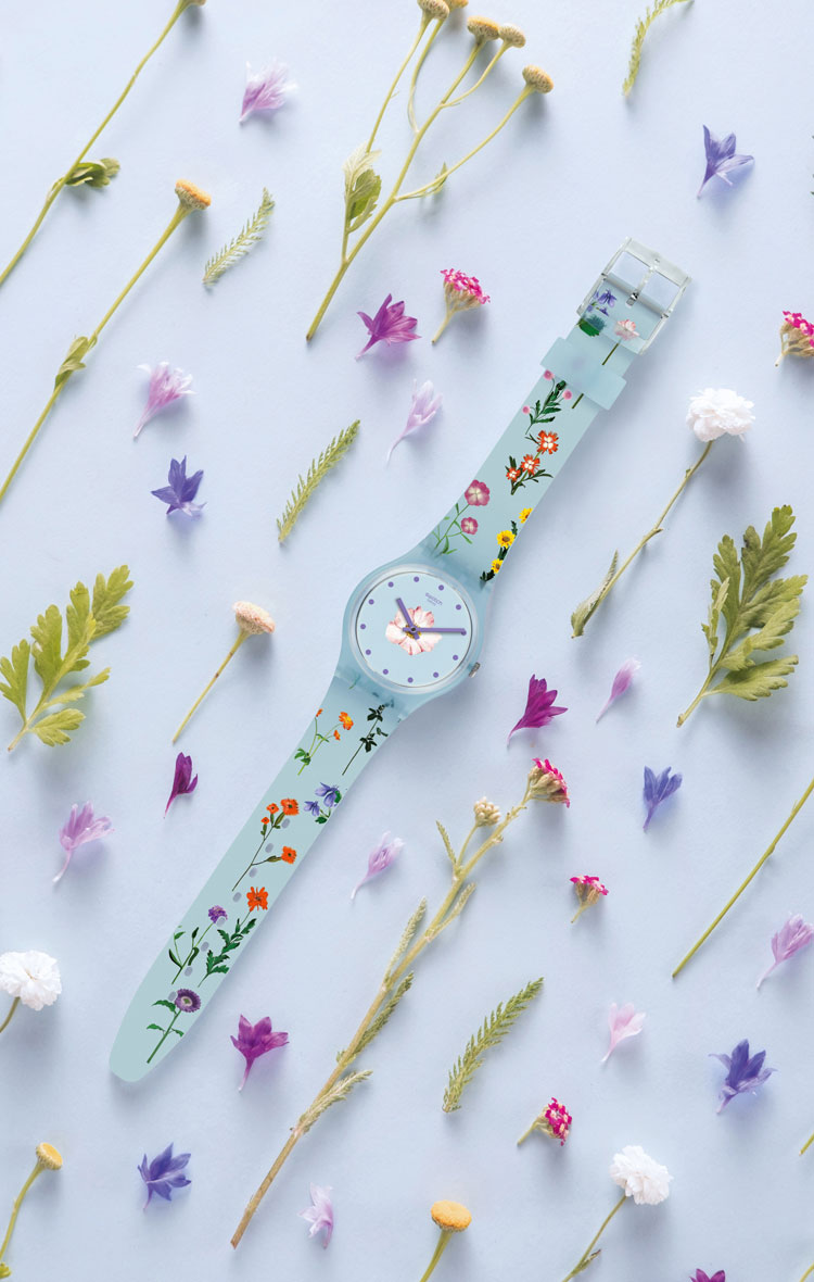 Swatch Pistillo. Los mejores relojes para viajar en otoño | Tu Gran Viaje revista de viajes y turismo
