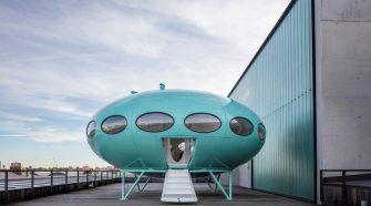 Casa Futuro copy John Sturrock, Owner Craig Barne | Exposición 100 objetos de Finlandia | Revista Tu Gran Viaje