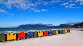 nos vamos a Sudáfrica, muy cerca de Ciudad del Cabo, para mandarte una de nuestras postales viajeras desde la playa de Muizenberg | Las postales de Tu Gran Viaje