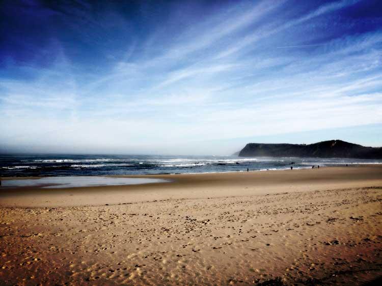 Viajar a Cantabria en otoño | Playa de Comillas © Tu Gran Viaje