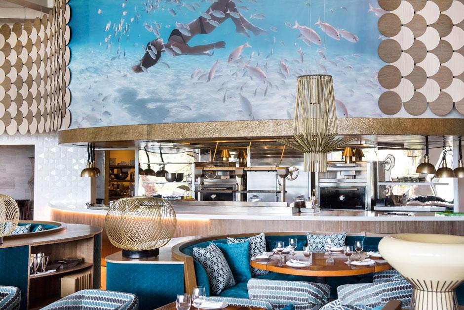 Salón principal del restaurante Fish by José Andrés | Tu Gran Viaje